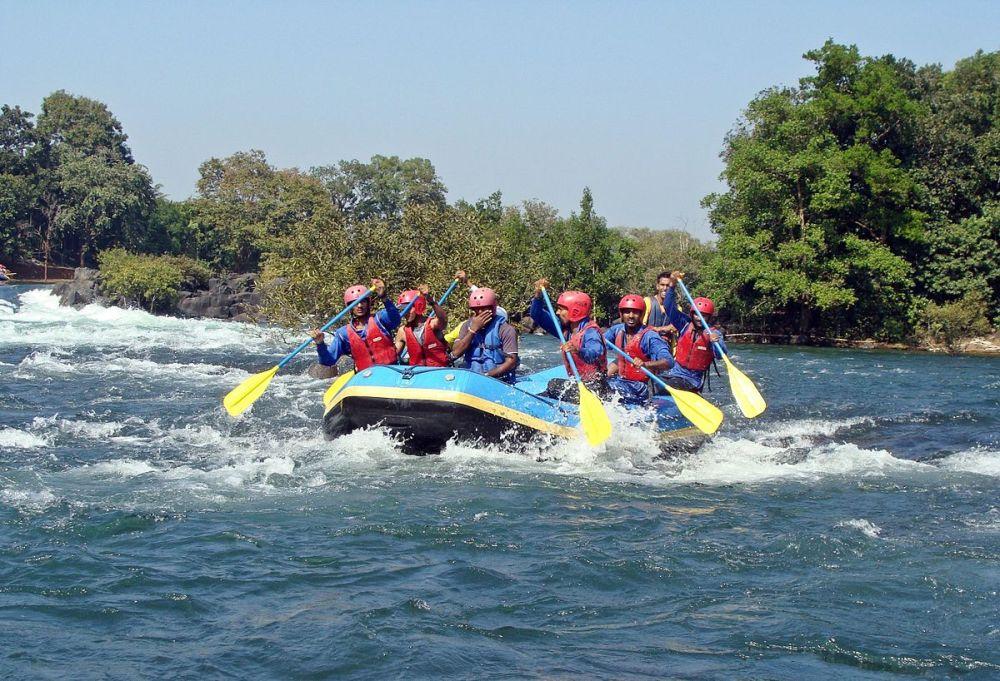 1200px-Dandeli_river_rafting